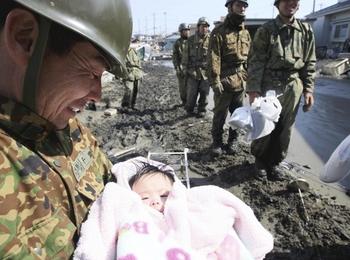 soldierandchild.JPG