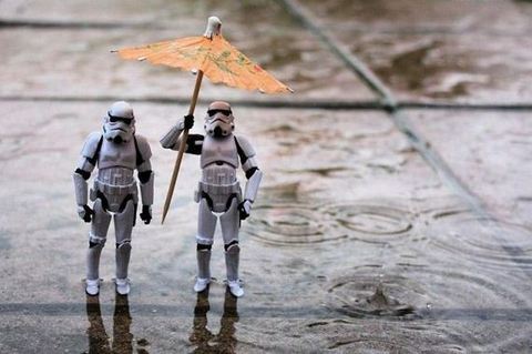 stormtroopers-in-the-rain.jpg
